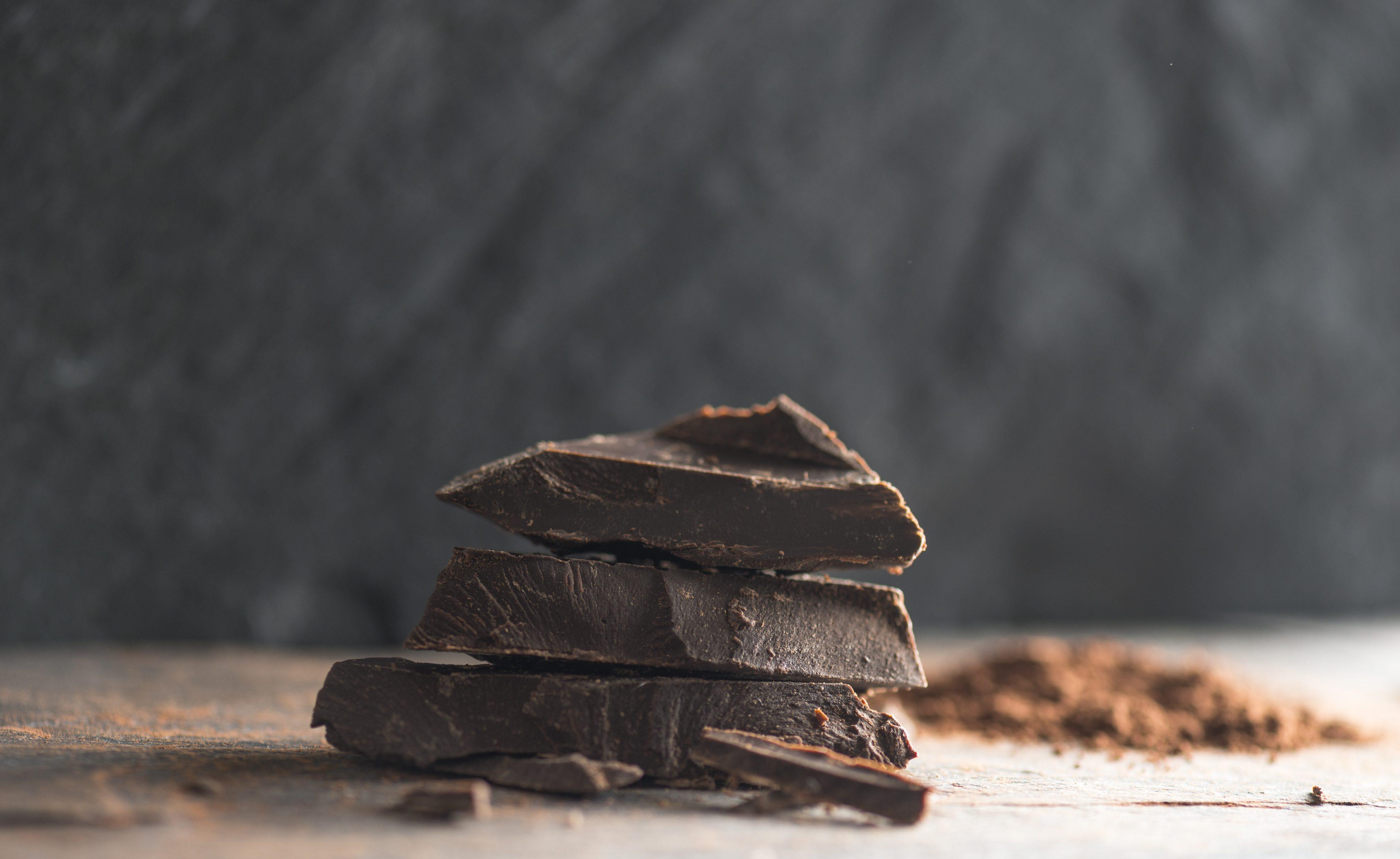 mangiare cioccolato fondente ti fa perdere peso