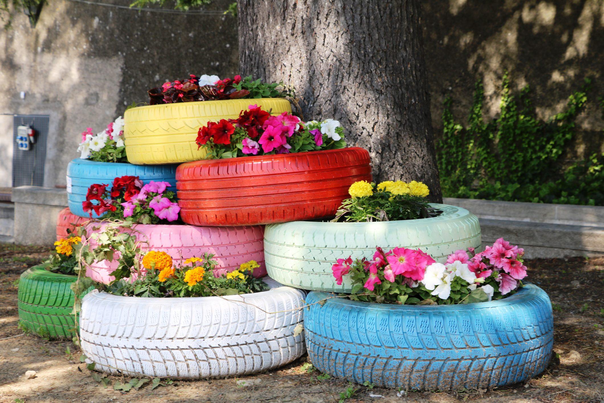 Riciclo creativo tre idee per arredare il tuo giardino a costo zero ohga - Idee per arredare il giardino ...
