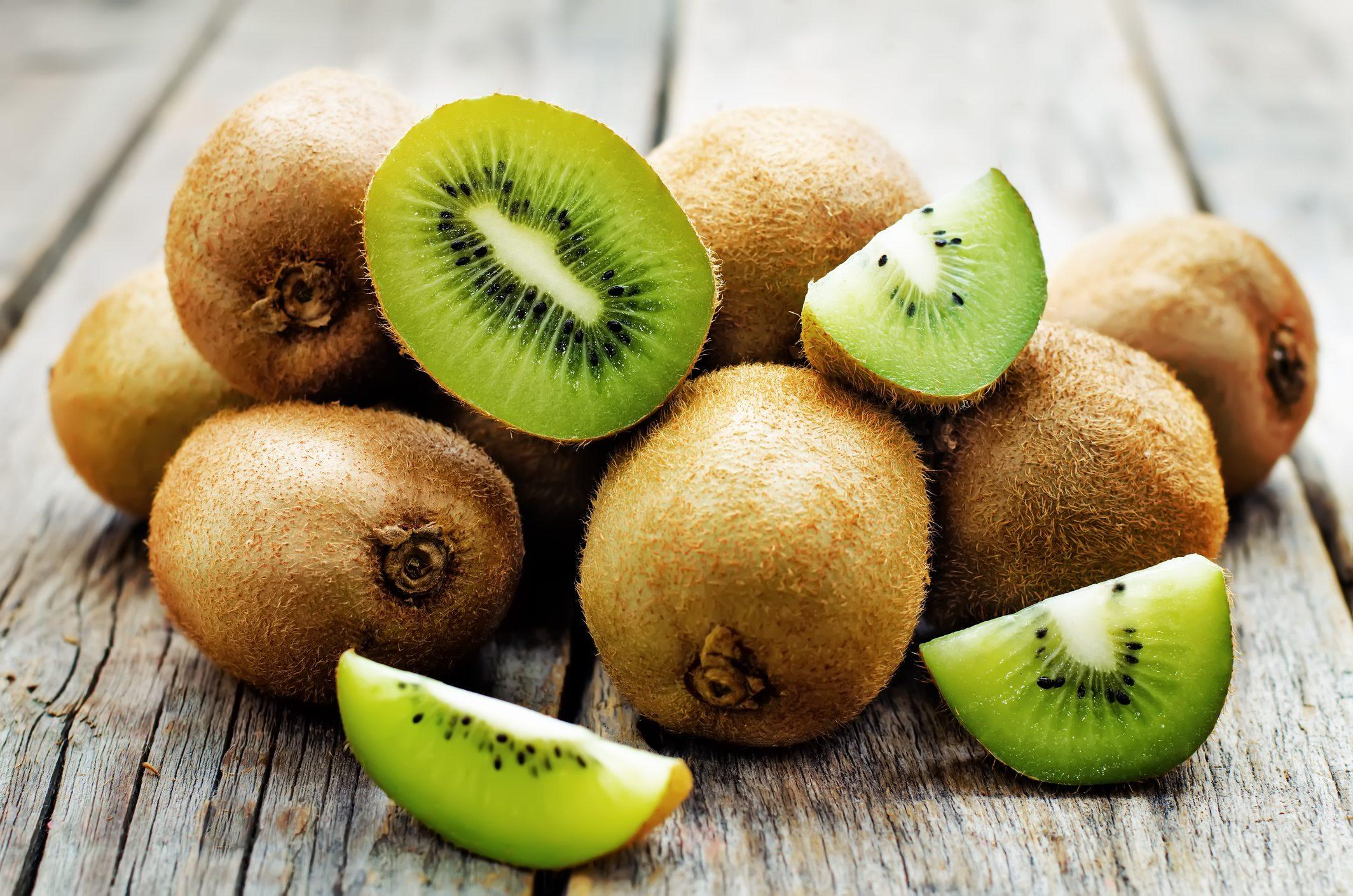 Pranzo Yogurt Magro : Kiwi a tavola: 3 ricette per mangiarlo a colazione pranzo e cena