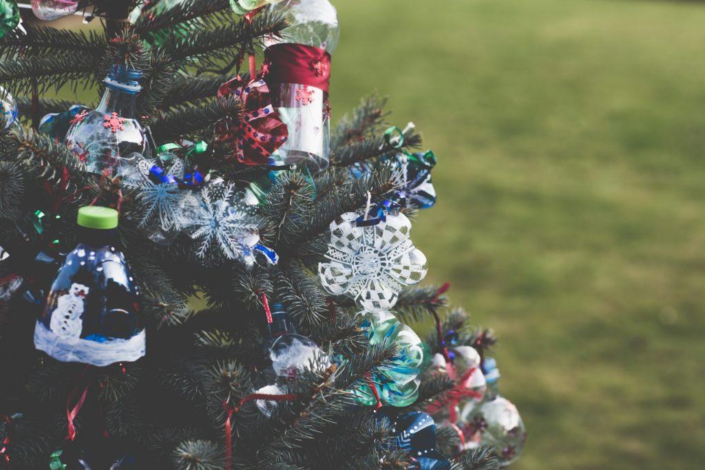 Lavoretti Di Natale Tappi Sughero.Lavoretti Di Natale Per Bambini Dal Riciclo All Addobbo Ohga