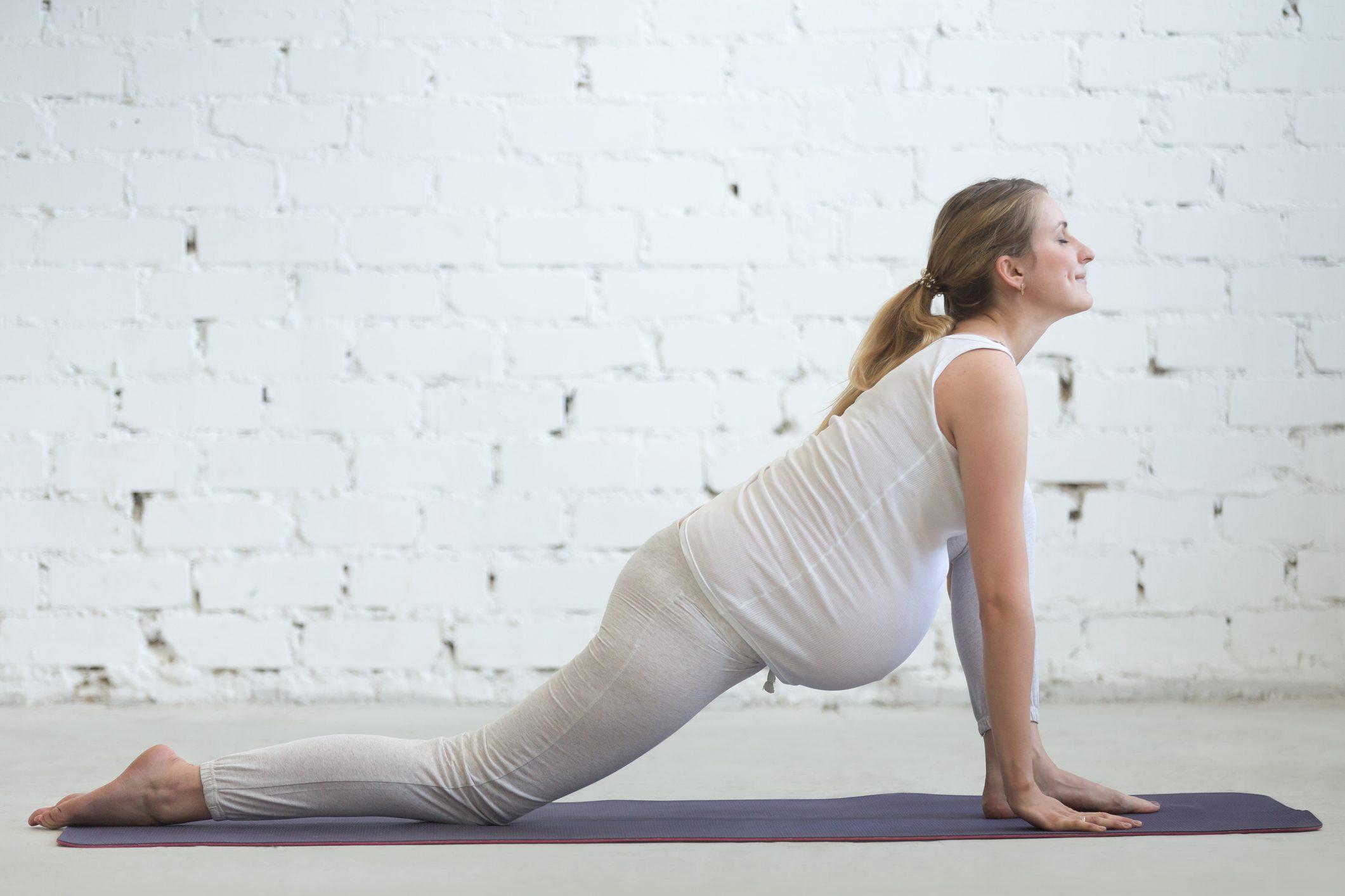 32163f08b326 Yoga in gravidanza: tanti benefici per la mamma e per il bambino che deve  nascere