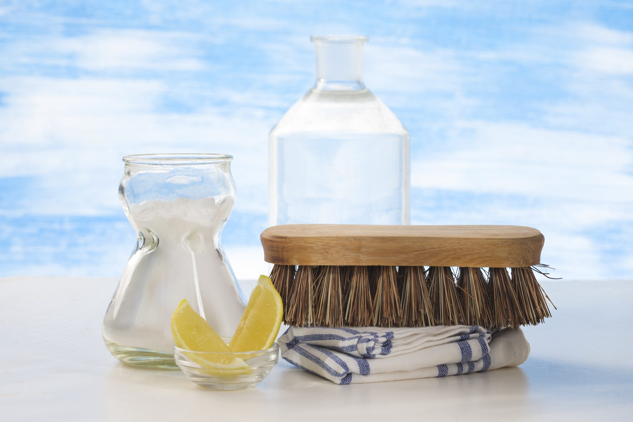 Miscela Per Pulire Il Forno aceto bianco: gli usi in casa | ohga!