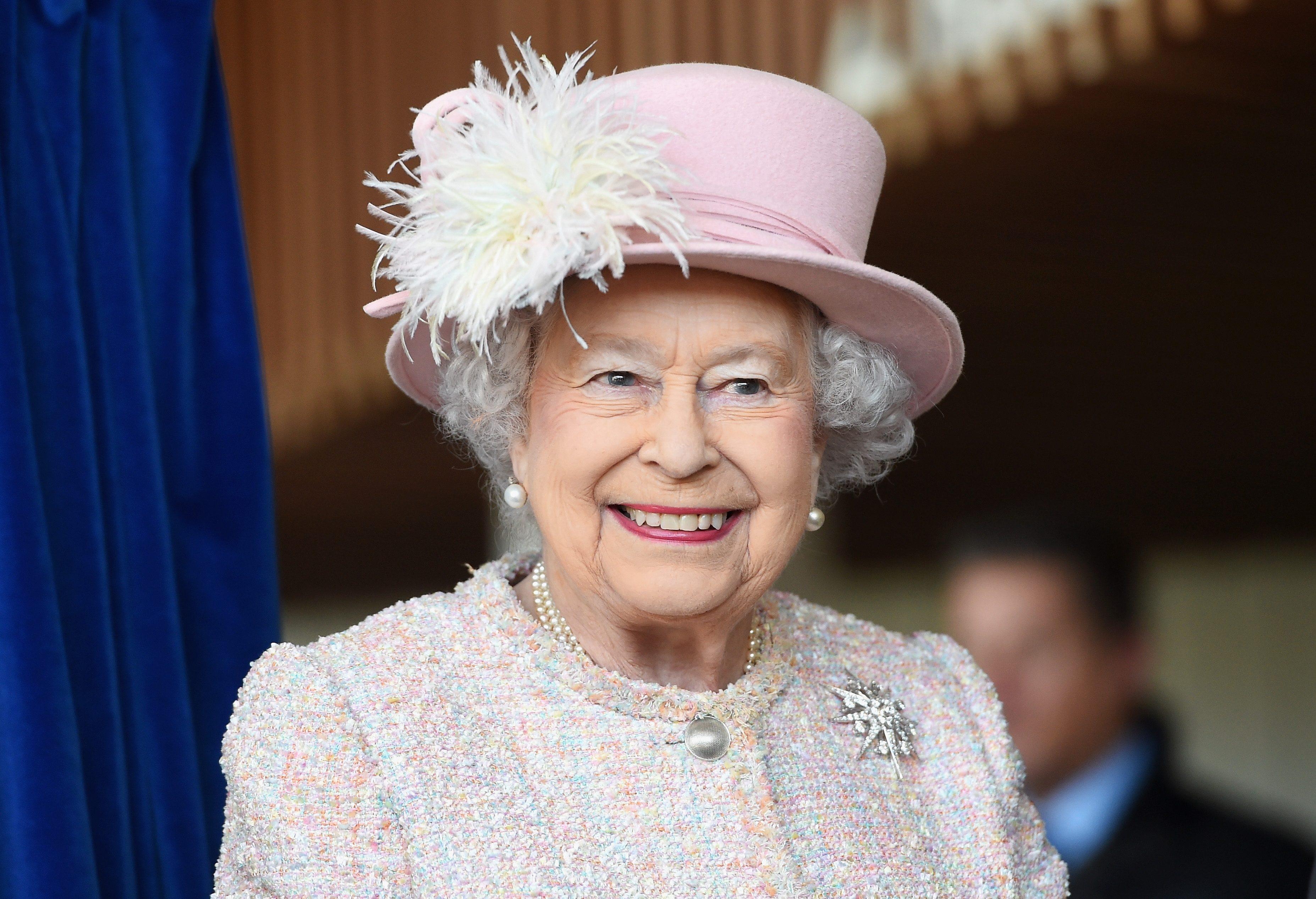 La Regina Elisabetta Ii D Inghilterra Un Modello Da Seguire Anche A 93 Anni Ohga