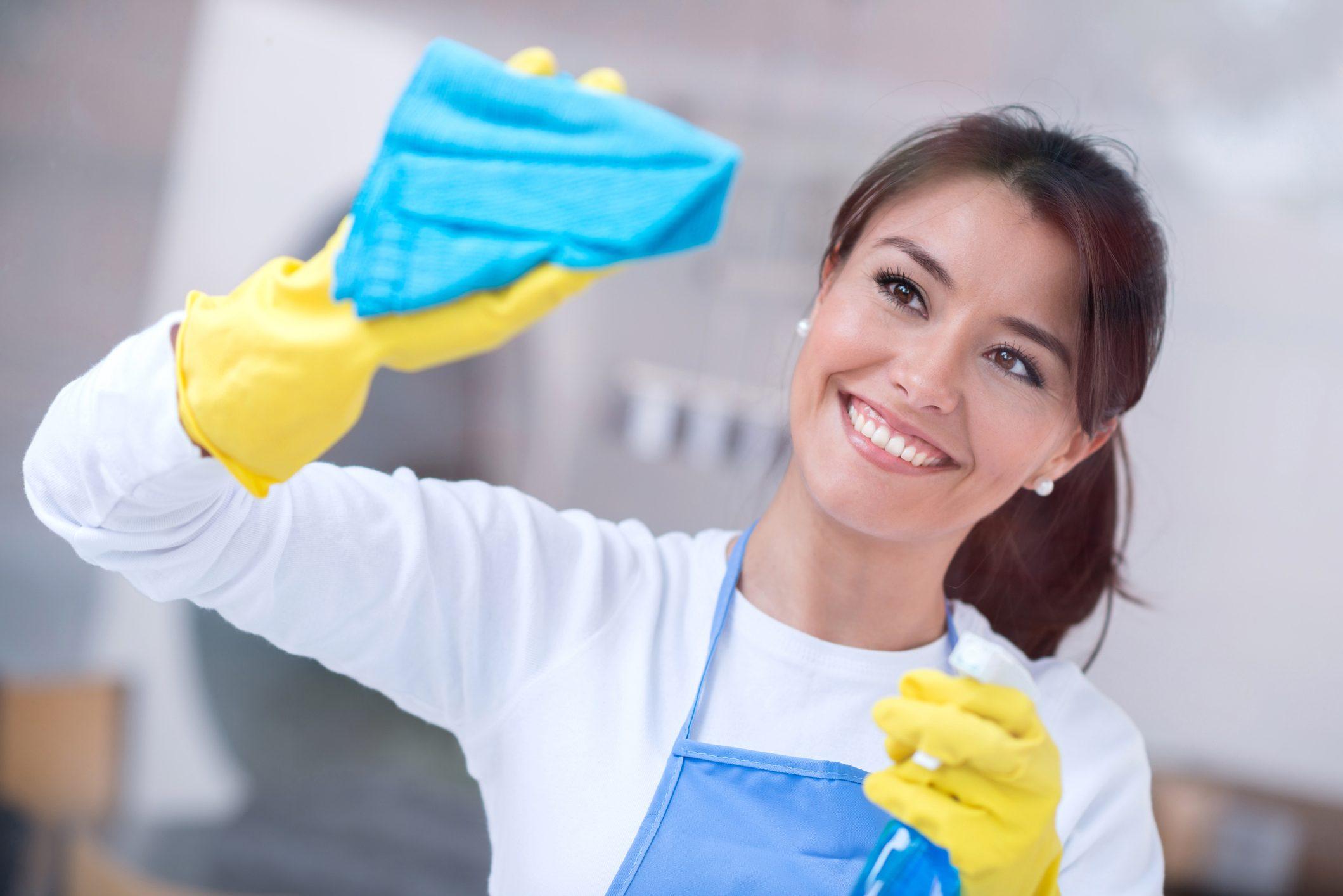 Pulire I Vetri Con Aceto come pulire i vetri in casa in modo naturale   ohga!
