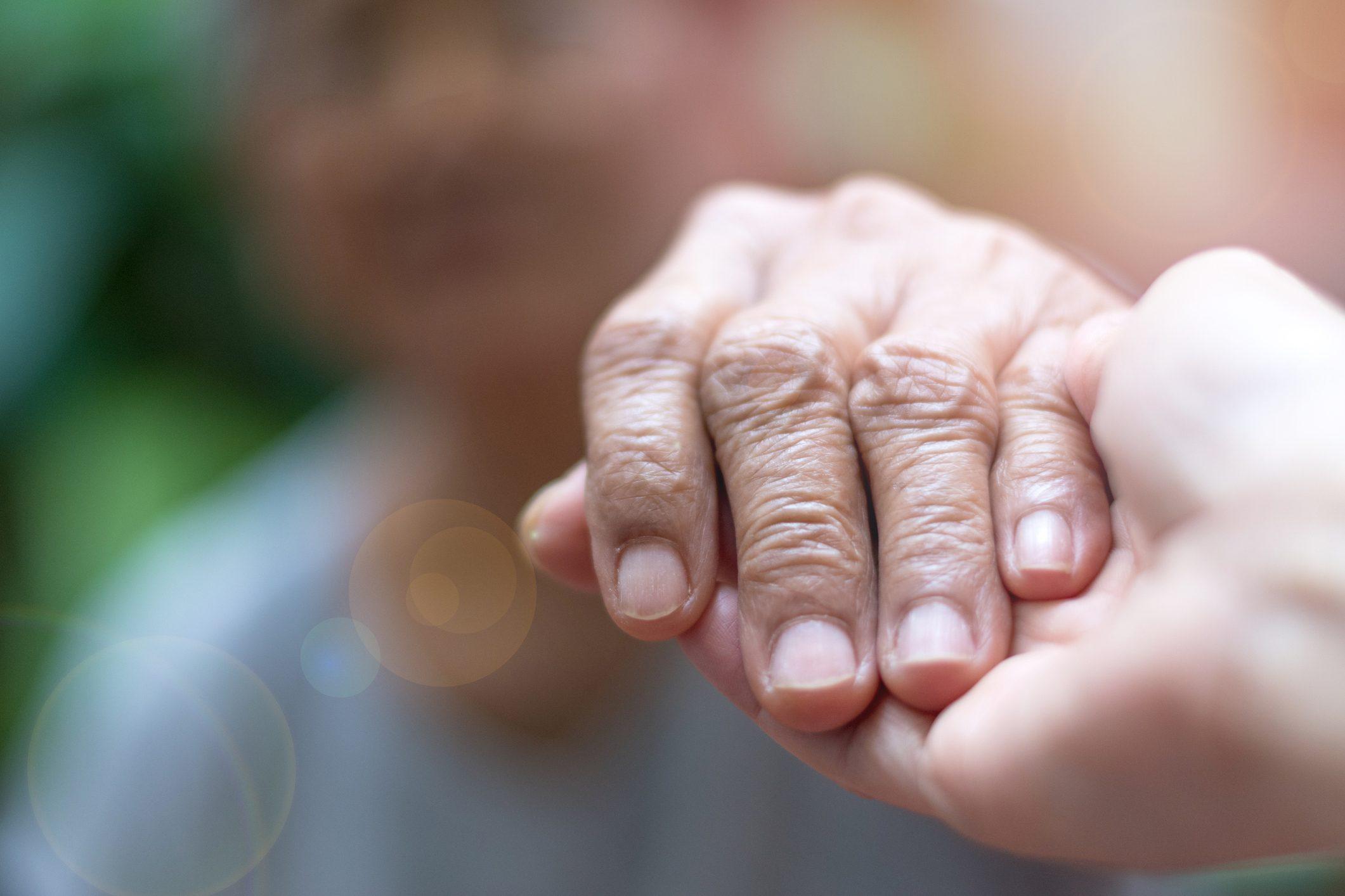 Coronavirus: morto Ivo Cilesi, aiutava i malati di Alzheimer con ...