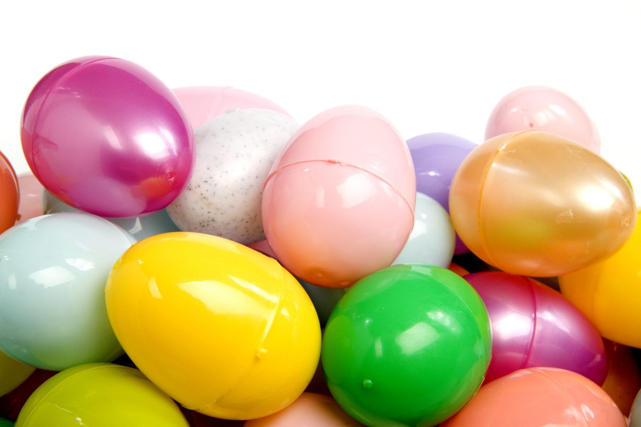 Uova di Pasqua fai da te con il riciclo creativo