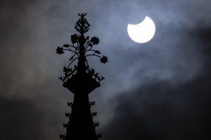 eclissi-solare-parziale-10-giugno-londra