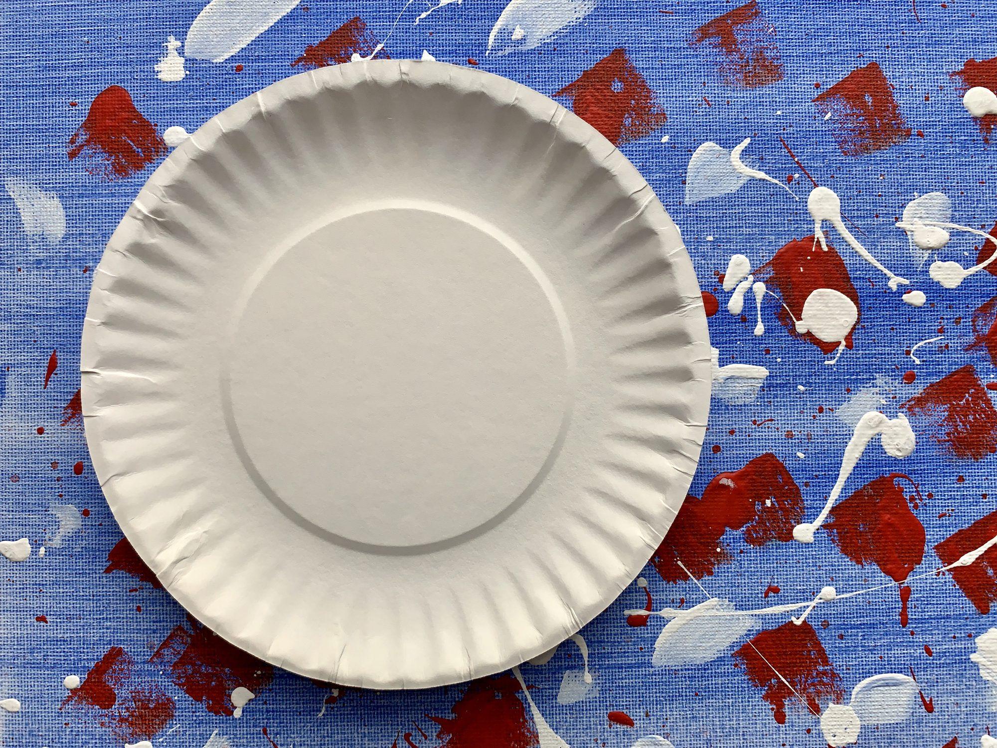 riciclare in modo creativo un piatto di carta