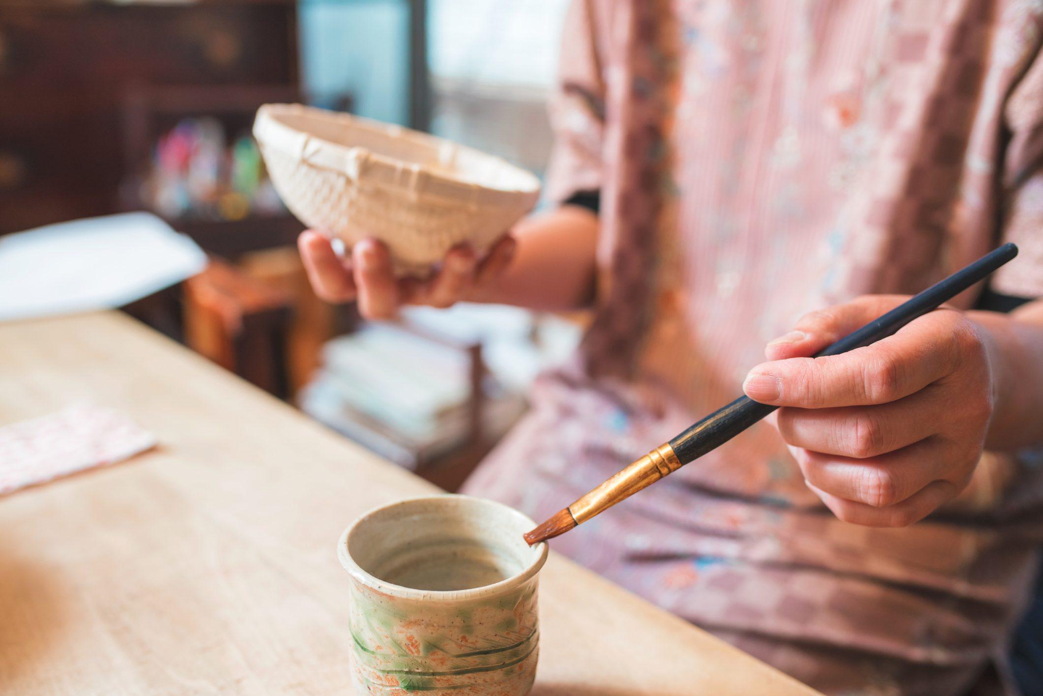 Tazze da tè di cartapesta fai da te per decorare casa